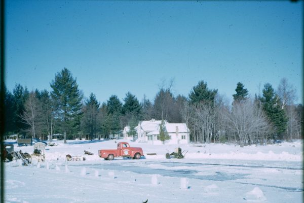 A-1-114-Harvesting lake ice sawmill